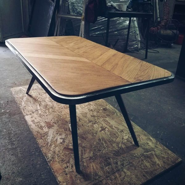 table_gustave